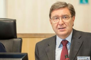 Enrico Giovannini 2014_06_10_lets_talk_happiness_group_iii
