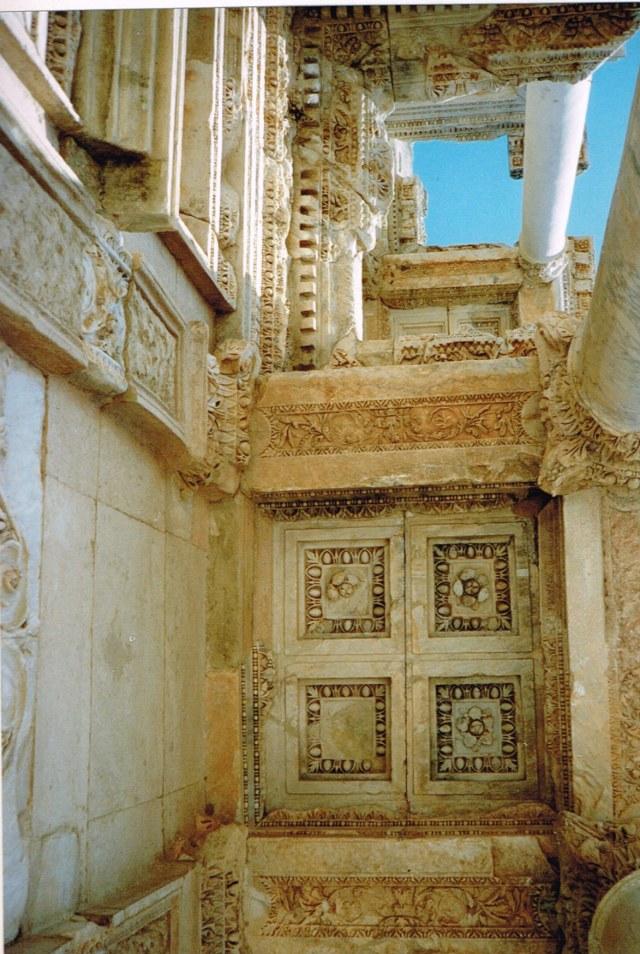 Efeze 1992 f5b
